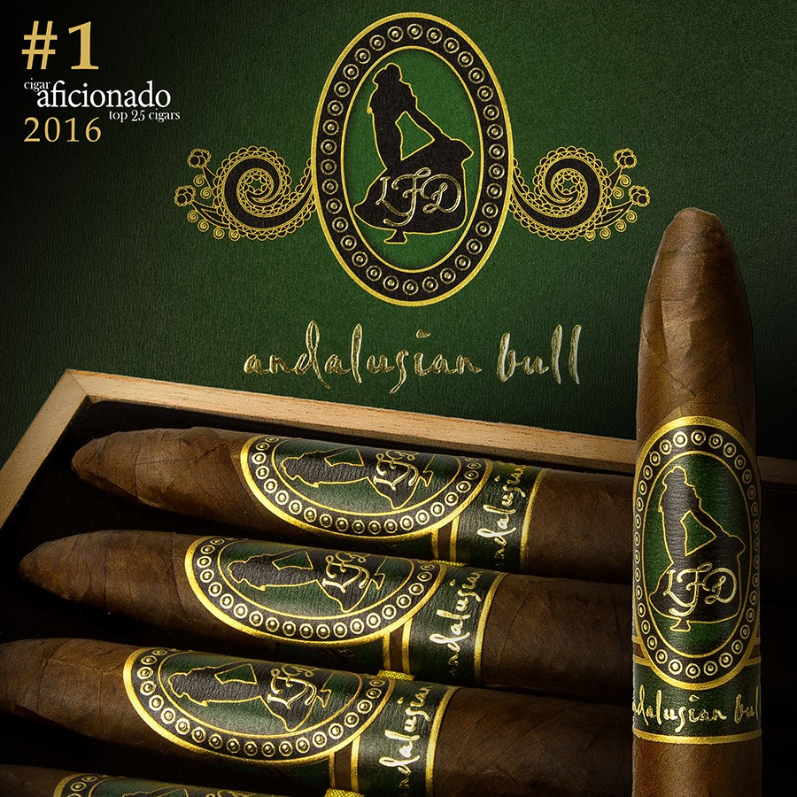 La-Flor-Dominicana-Andalusian-Bull-Figurado-2016-1-Cigar-Of-The-Year-www.cigarplace.biz-12